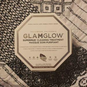 GLAMGLOW!